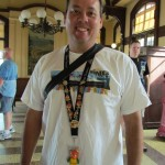 I love this tribute to the Orange Bird that Disney author Kevin Yee was sporting