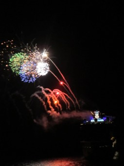 disney-fantasy-fireworks-finale-from-dream-900