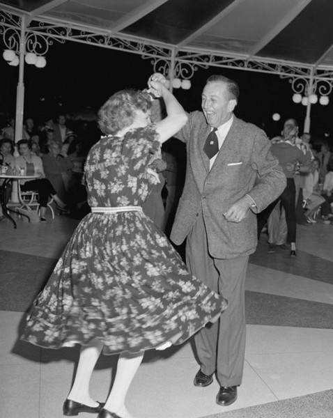 walt-lillian-dancing