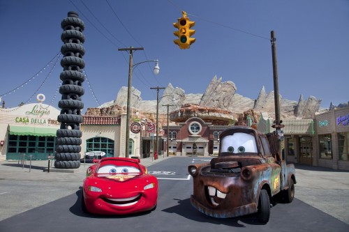 Mater & Lightning McQueen photo shoot Cars Land