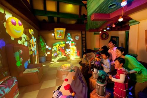 Goofy's Paint 'n' Play House
