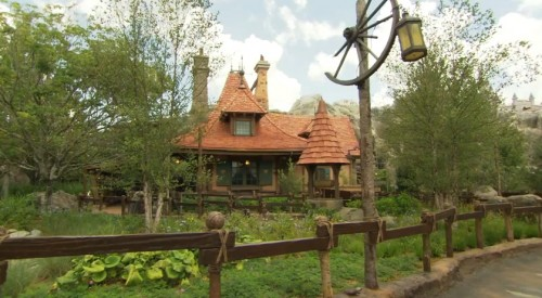 Maurice's Cottage - Enchanted Tales with Belle