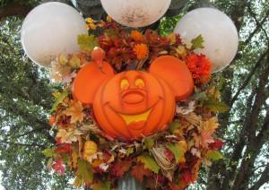 02-mk-halloween-mainstreet