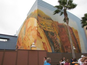 Map for Fountain of Youth covers outside of Pirates exhibit