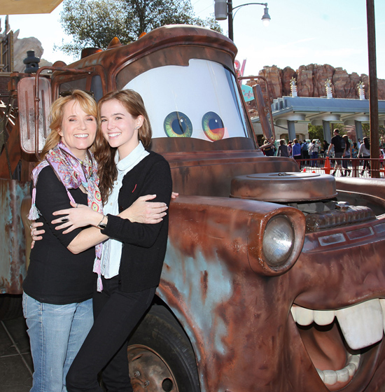 Lea Thompson and daugter Zoey Deutch meet Mater in Cars Land