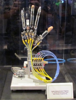 animatronic-hand