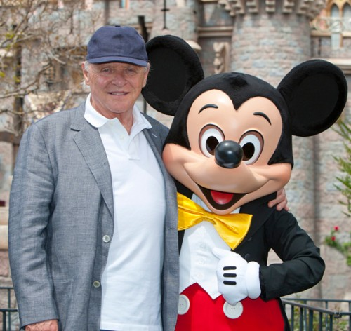 anthony-hopkins-mickey-disneyland