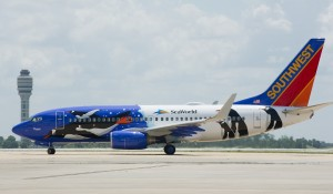 penguin-one-southwest-plane-seaworld-2