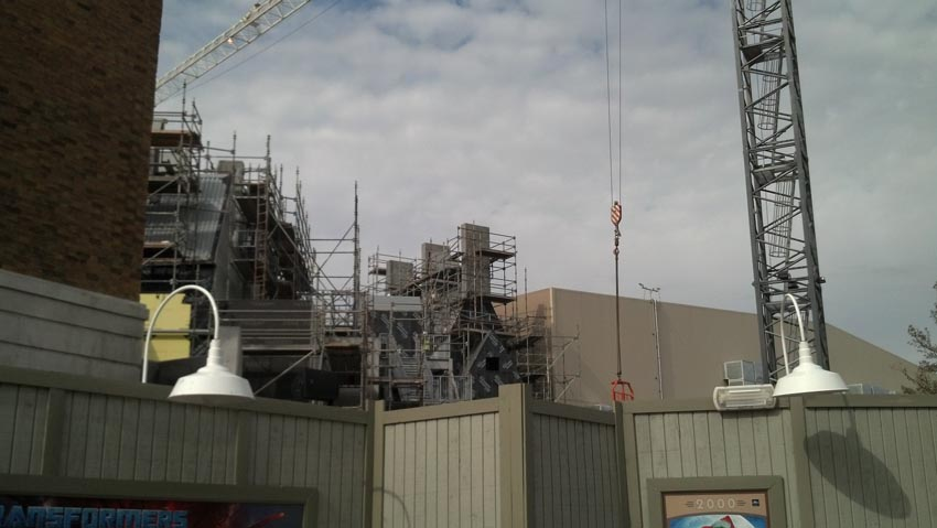 A peak at Diagon Alley and showbuilding