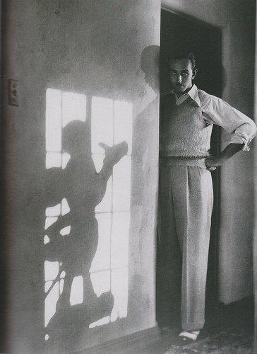 walt-disney-shadow-mickey