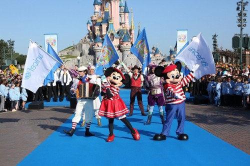Disneyland Paris Celebrates 50th Anniversary of ÒitÕs a small worldÓ during Global Sing-Along at Disney Parks