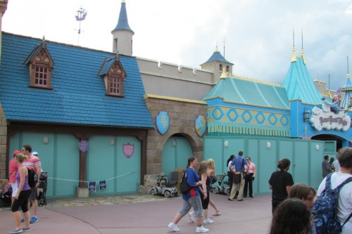 Peter Pan fastpass area and fastpass queue are getting a remodel... they just redid this area not too long ago. Hmmm.