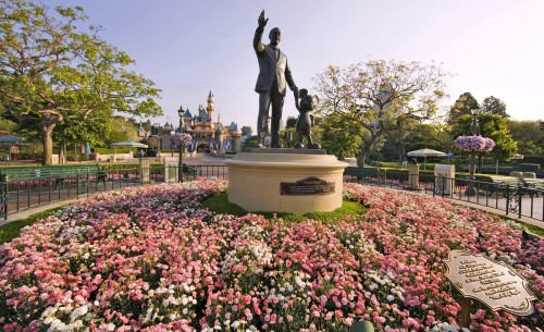 horticulture-partners-statue-castle-disneyland