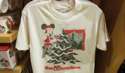 02-merch-mickey-retro-xmas-wide