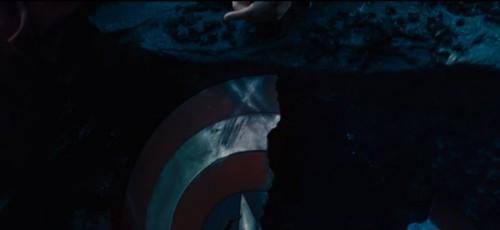 Marvel-Avengers-Age-of-Ultron-broken-america-shield