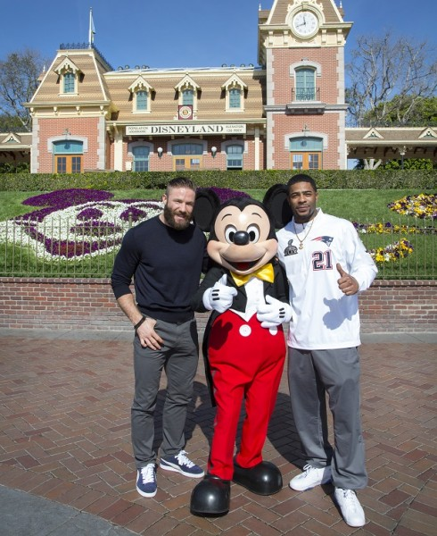 superbowl-xlix-patriots-disneyland-mickey-tn