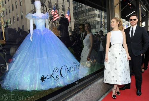 cinderellashoes-saks-window