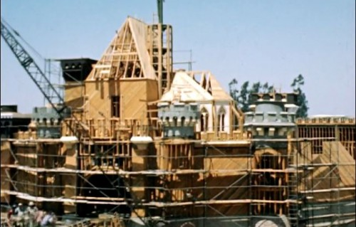 disneyland-sleepingbeautycastle-construction