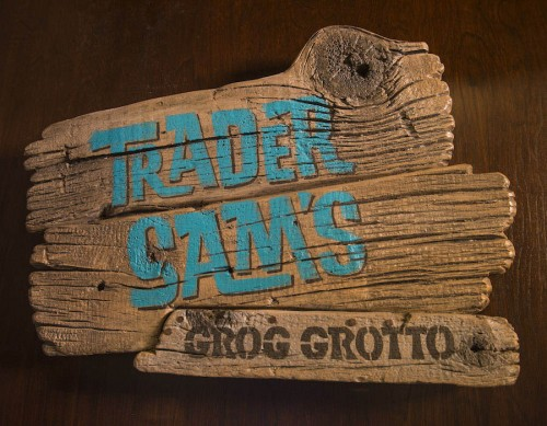 trader-sams-grog-grotto-sign