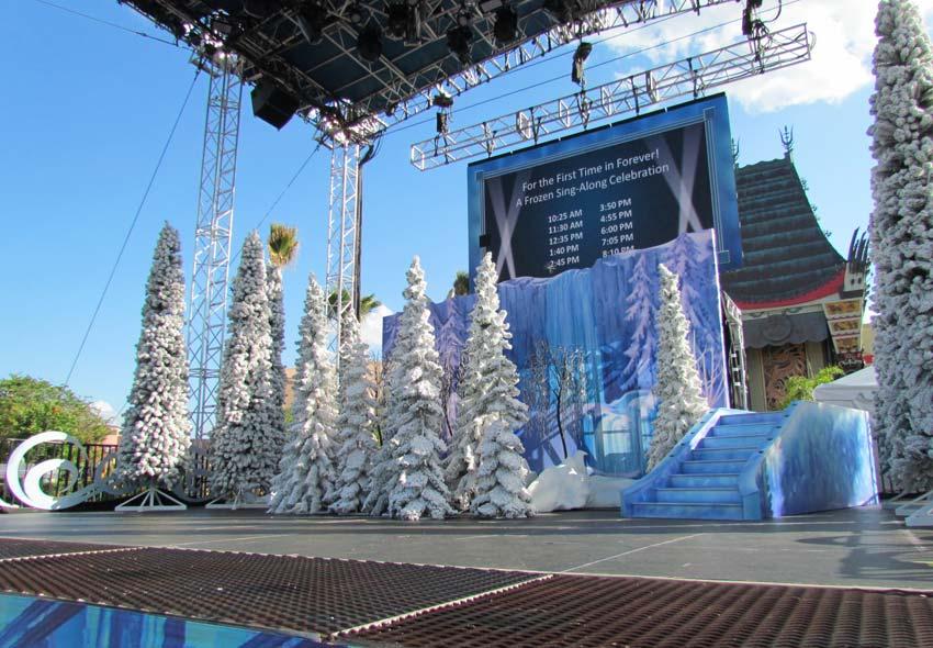 04-dhs-frozen-fun-stage-2