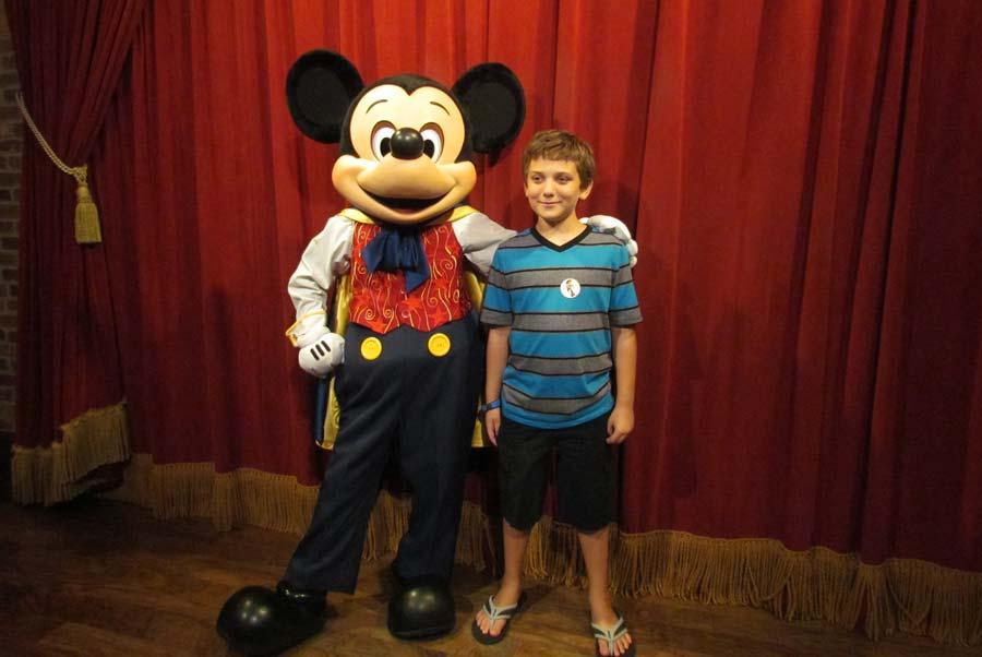 Meeting talking mickey mouse at the magic kingdom the disney blog 04 mickey indigo 2 we finally got to meet talking mickey mouse m4hsunfo Images