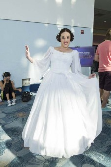 d23-expo-cosplay-leia-1