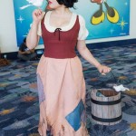 d23-expo-cosplay3-snow-2