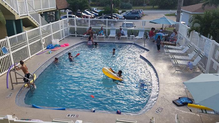 00-tuckaway-shores-pool-m