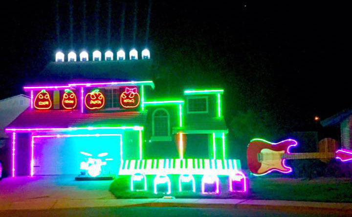 tracy-halloween-house