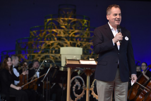 Candlelight-Processional-2015-4-640x426