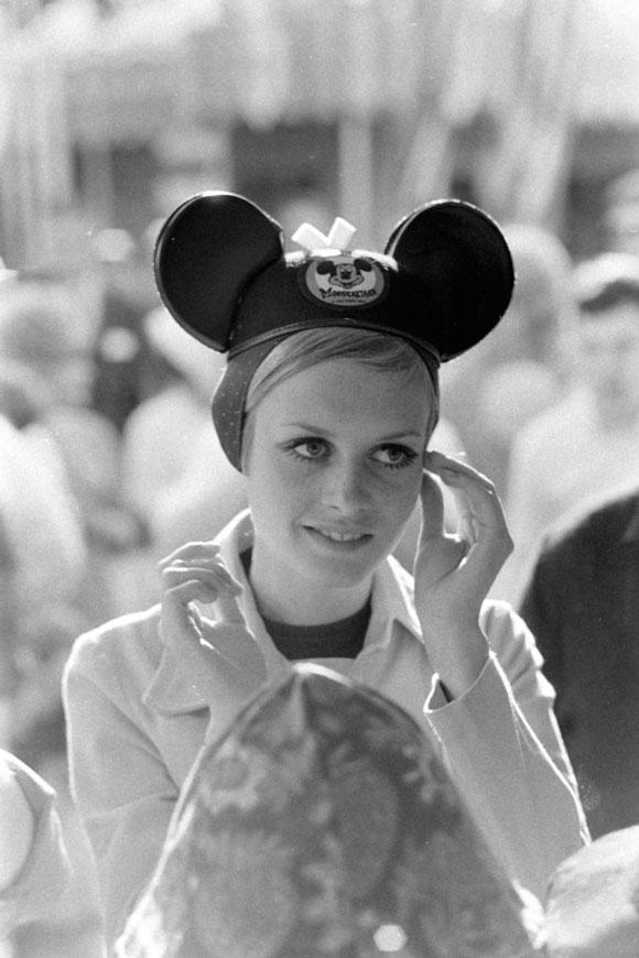 Twiggy-at-Disneyland
