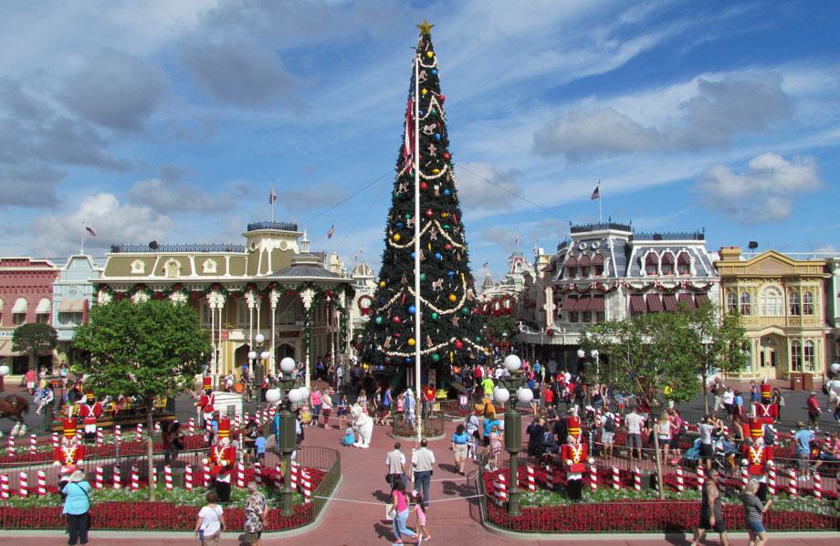 peak christmas magic kingdom