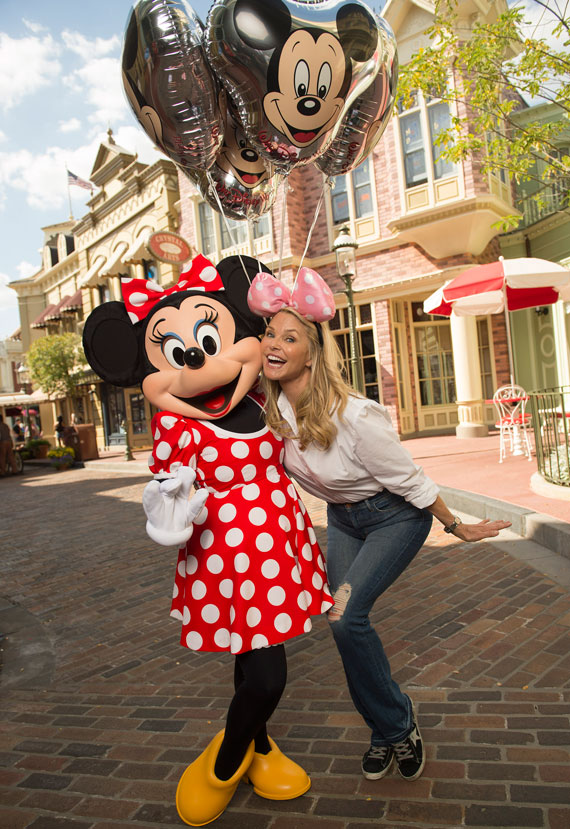 christie-brinkley-Minnie-wdw