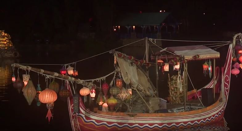 rivers-of-light-lantern-boat