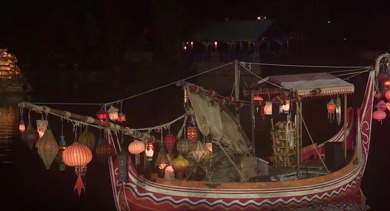 rivers-of-light-lantern-boat