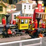 disneyland-model-mine-train