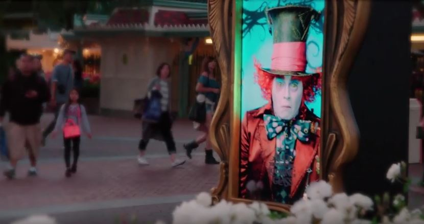 johnny-depp-mad-hatter-disneyland
