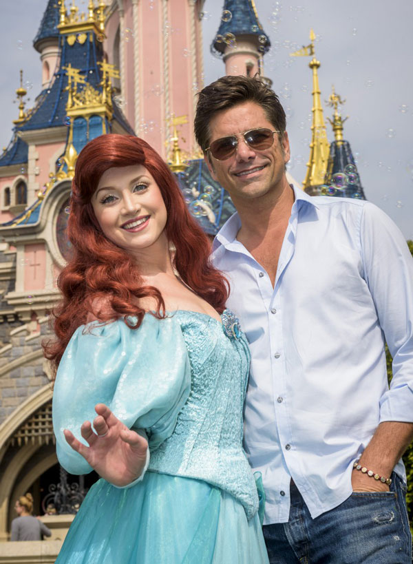 John-Stamos-poses-with-Ariel-med