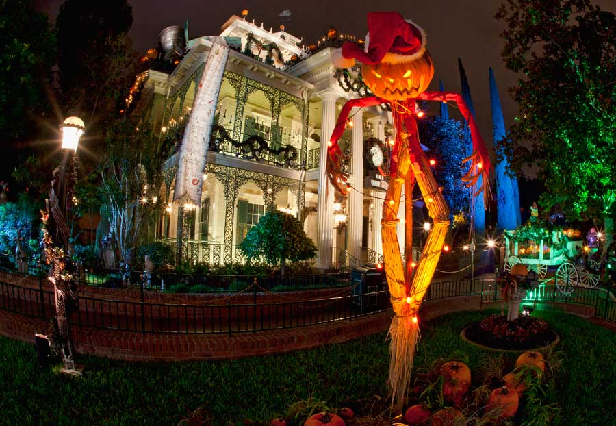 disneyland-nightmare-haunted-mansion
