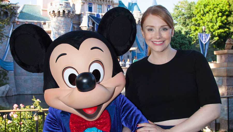 bryce-dallas-howard-disneyland