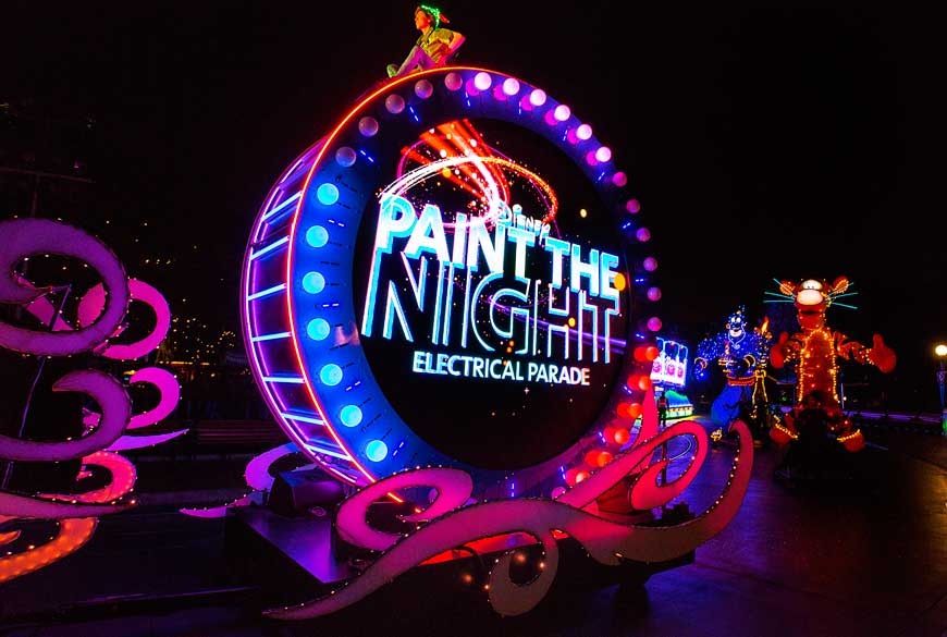 paint-the-night-disneyland