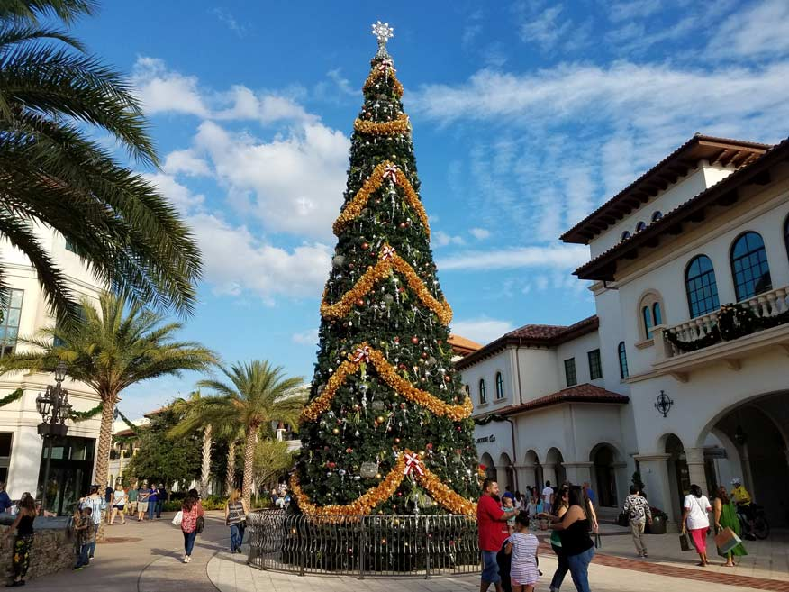 disney-springs-tree-2016