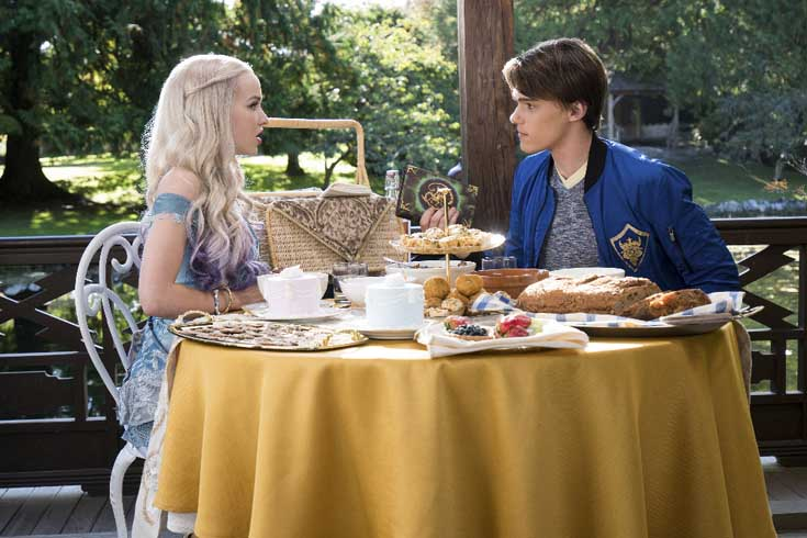 Disney Descendants 2 - New trailer for music video | The