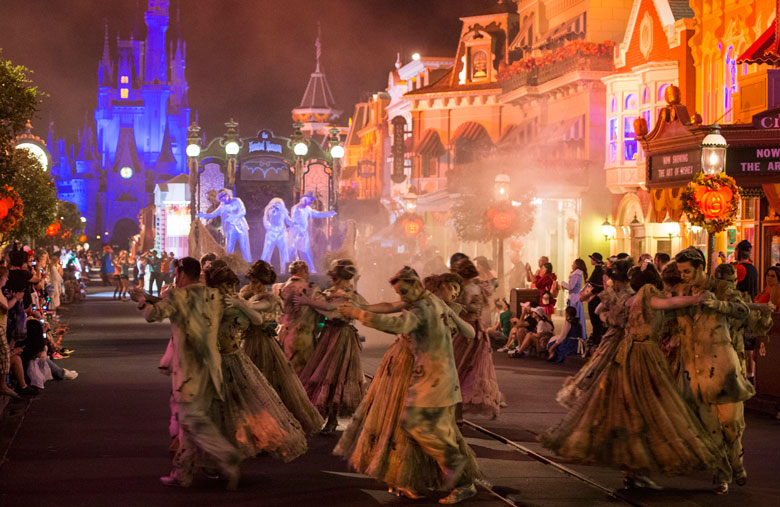what do i love about mickeys not so scary halloween party let me count the ways whether trick or treating throughout the park watching the bewitching