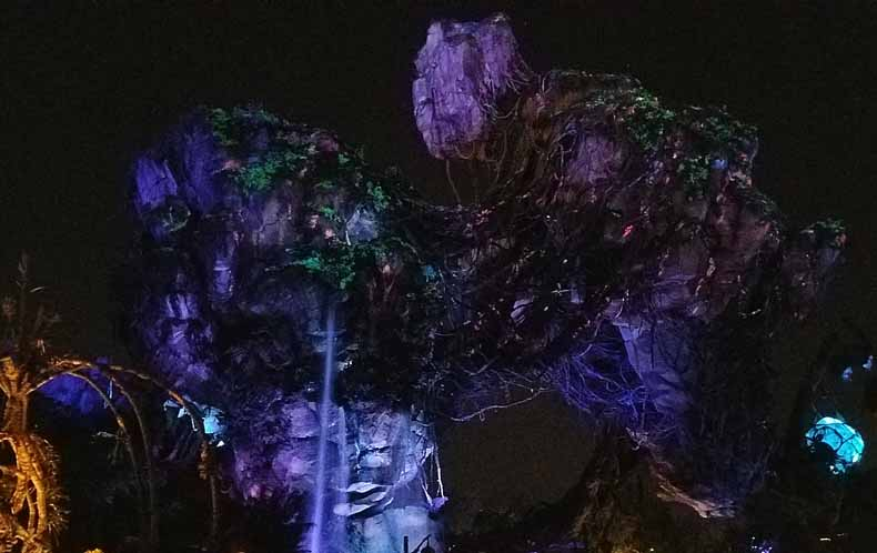 Pandora - The World of Avatar at night