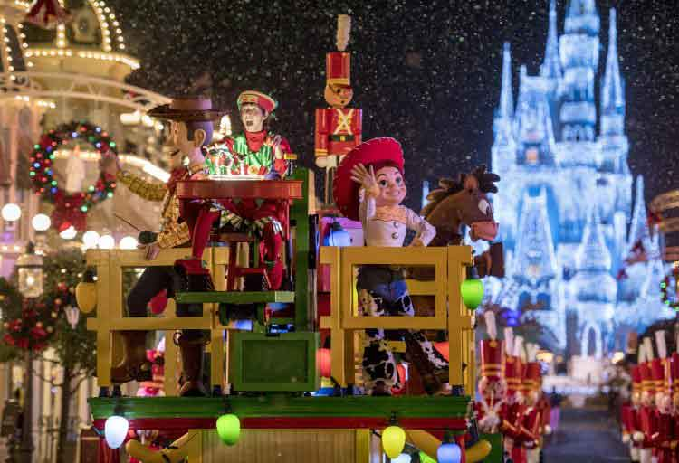 Christmas parade - toy story