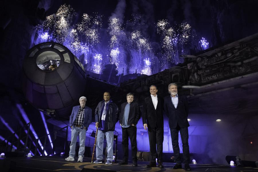 Star Wars: Galaxy's Edge opens with star studded dedication ceremony | The Disney Blog