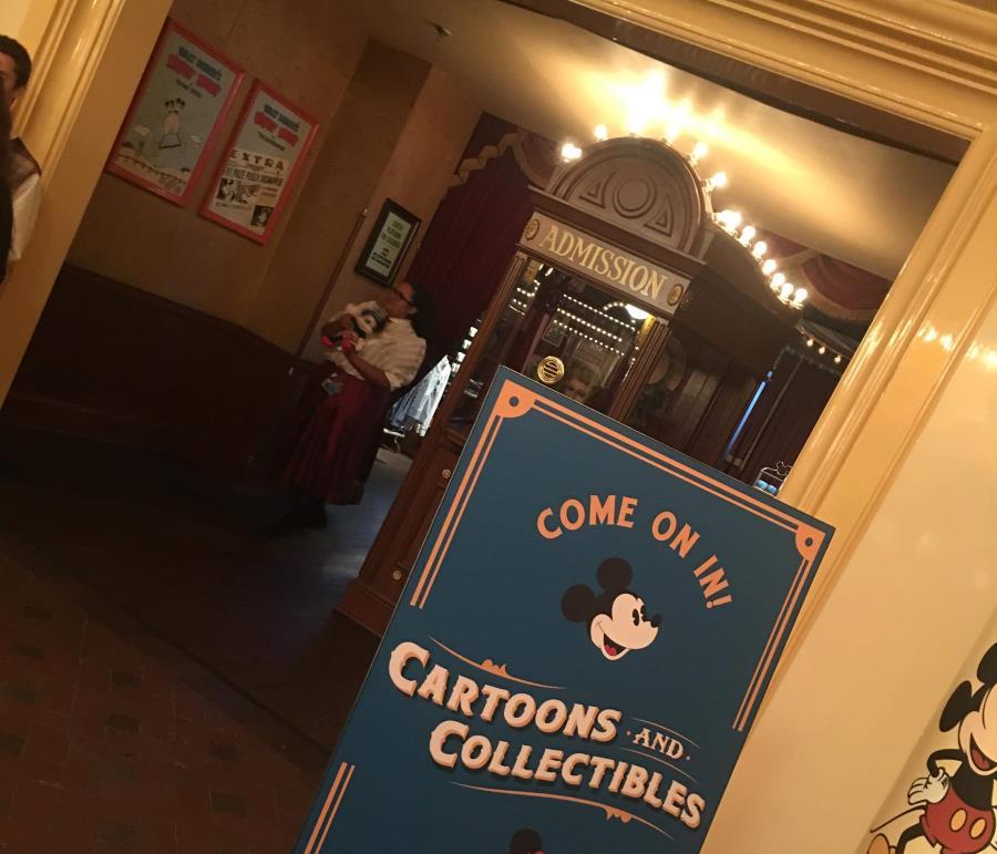 Disneyland's Main Street Cinema gives way to company's retail ambitions   The Disney Blog