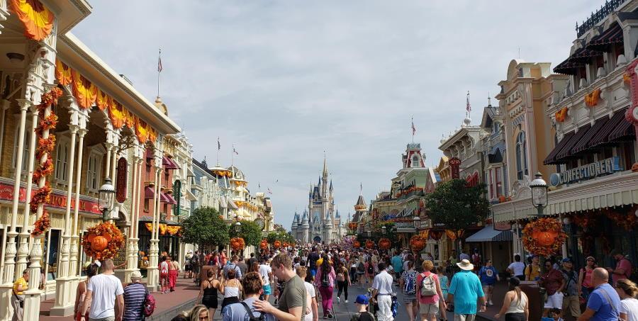 Halloween Decor Invades the Magic Kingdom   The Disney Blog