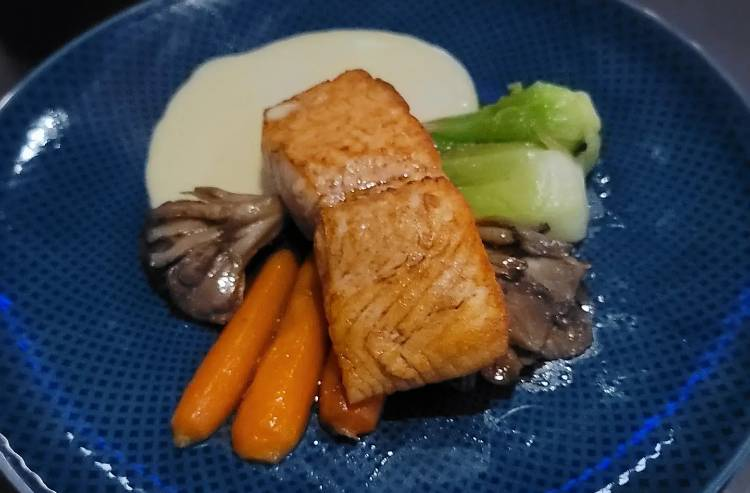 Space 220 at EPCOT - Bluehouse Salmon
